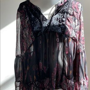 Knox Rose Beautiful peasant style blouse